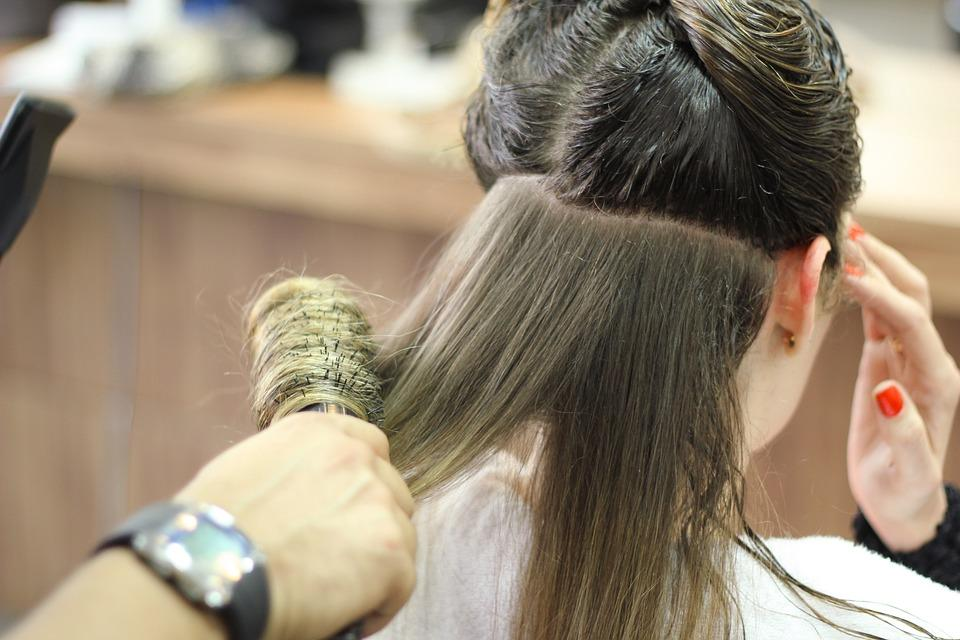 Akcesoria dosalonu fryzjerskiego – gdzie kupować?