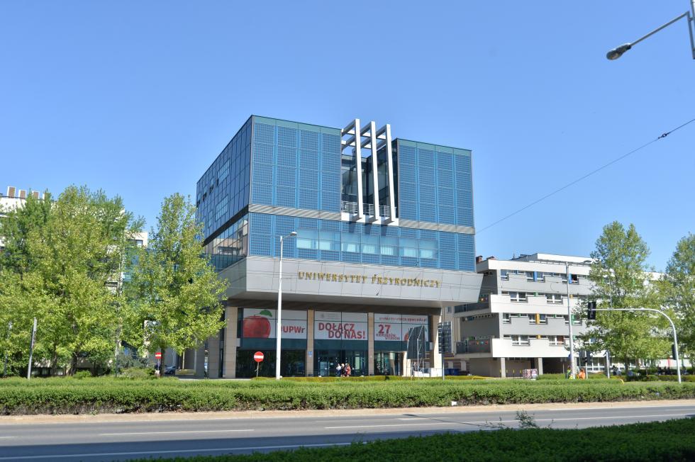 Uniwersytet Przyrodniczy energię czerpie ze słońca