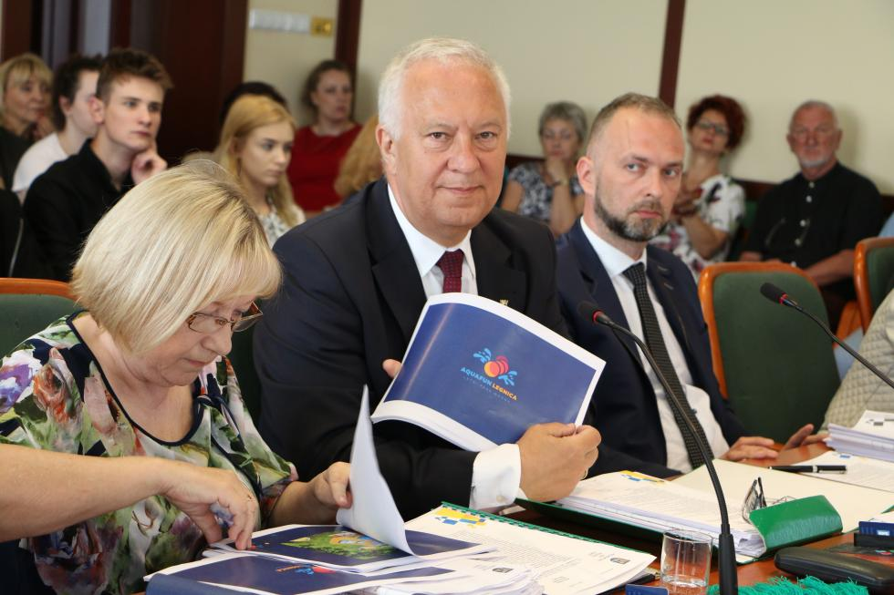 Radni owykonaniu budżetu z2017 roku. Byli za, a nawet przeciw
