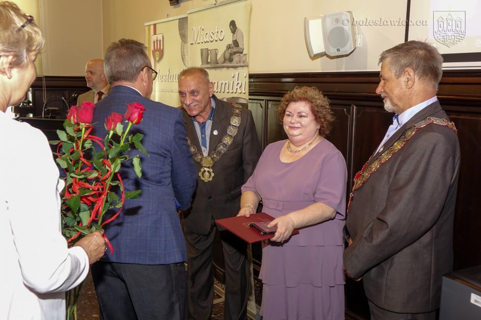 W uznaniu wybitnych zasług na rzecz rozwoju Bolesławca…