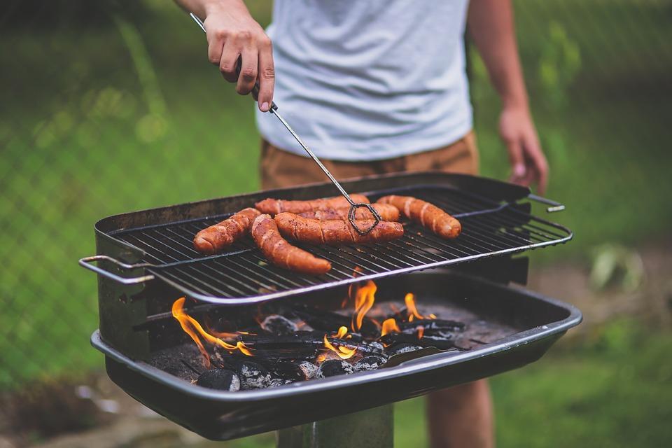 Jak przygotować się na letnie grillowanie?