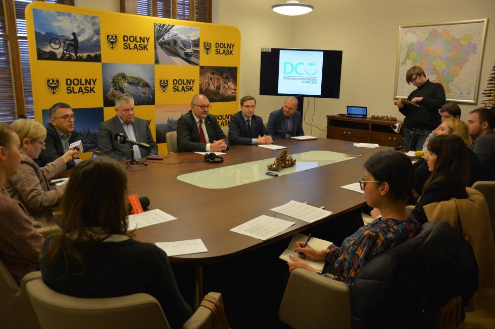 Duże zainteresowanie wykonawców budową nowego szpitala onkologicznego