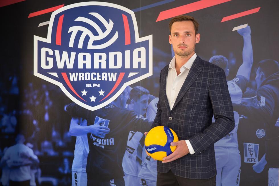 Medalista weWrocławiu – Bartosz Pietruczuk siatkarzem KFC Gwardia